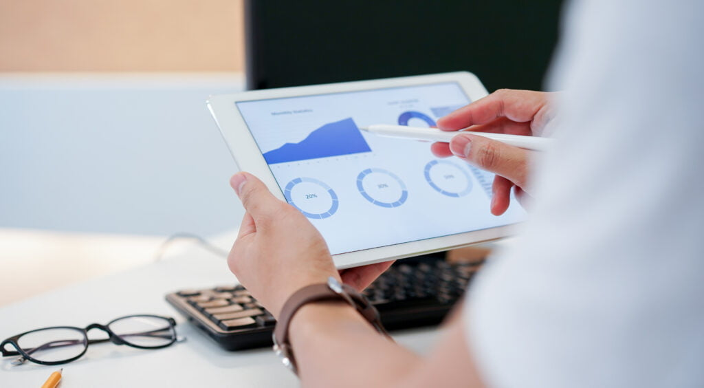 Expert traders use metrics in their analysis tools frequently to predict prices and make decisions.